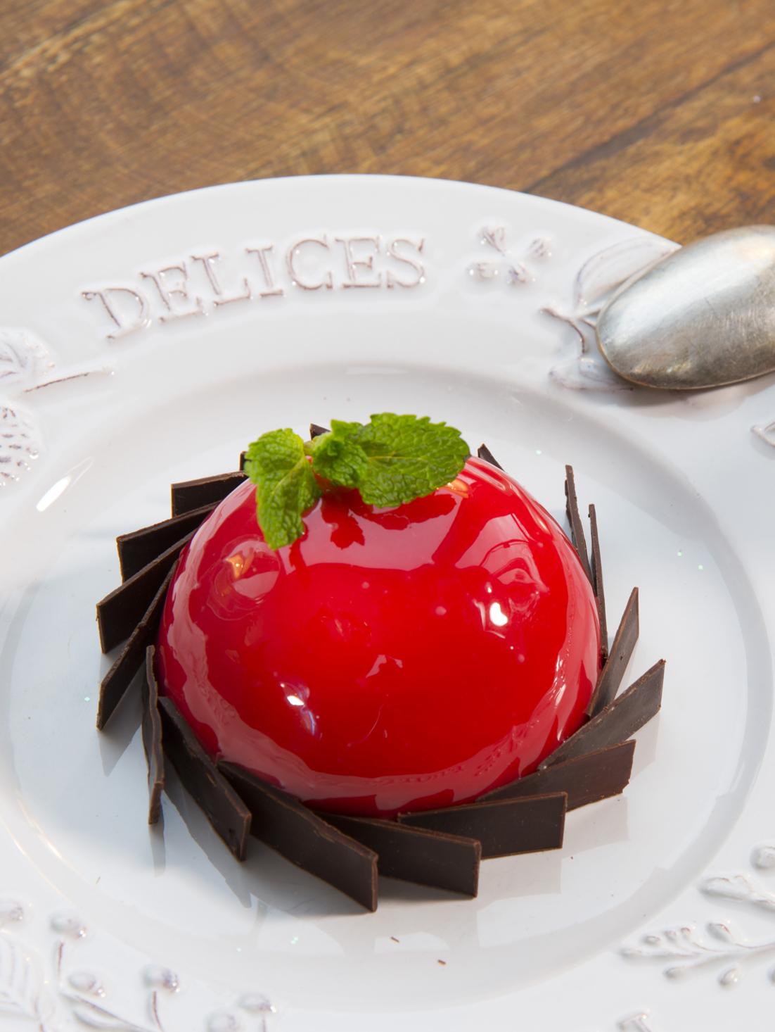 Dômes Fraises de France au chocolat